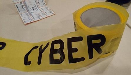 cyber-absperrband445